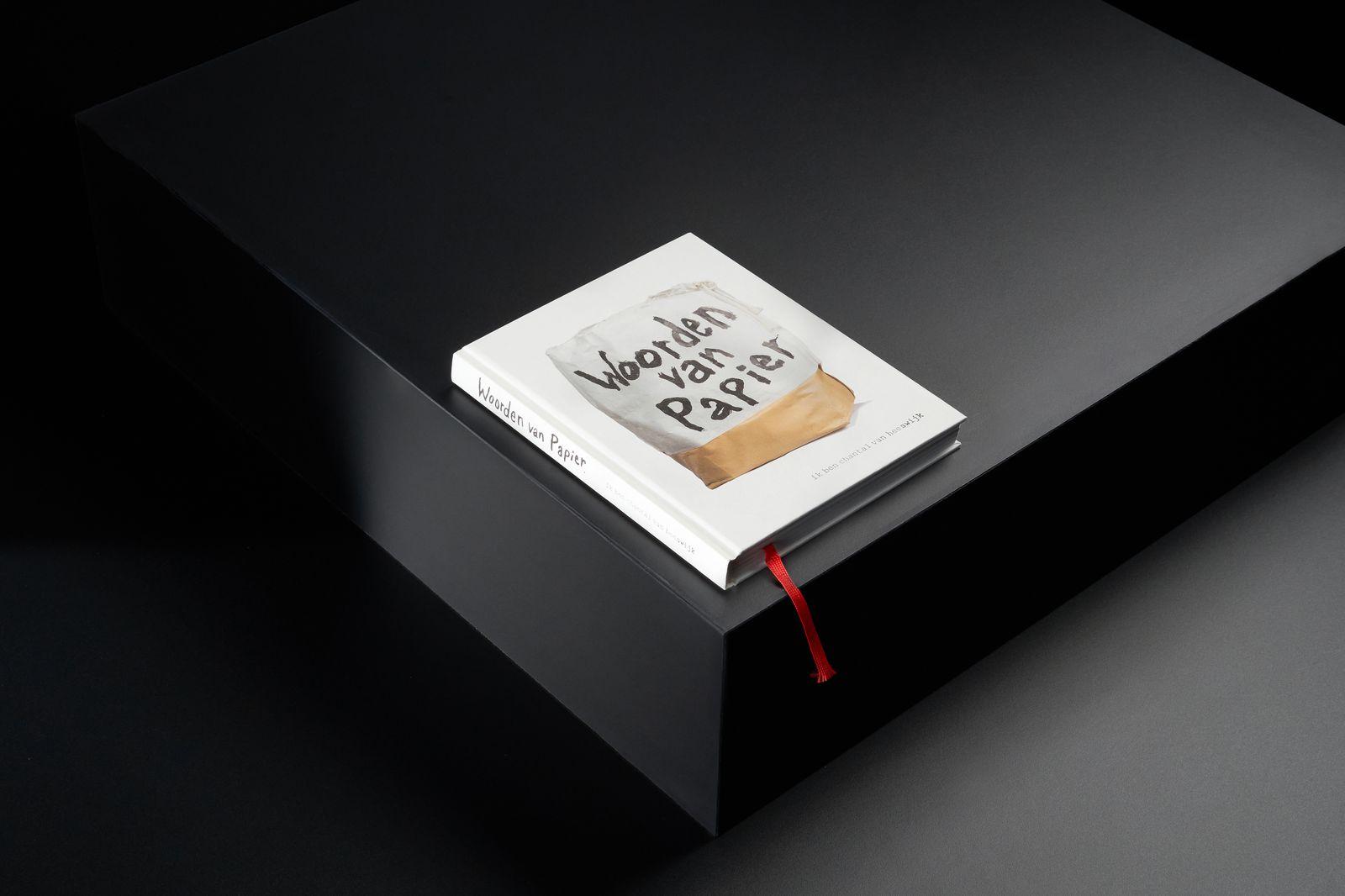 Woorden van papier - Verhoging.jpg