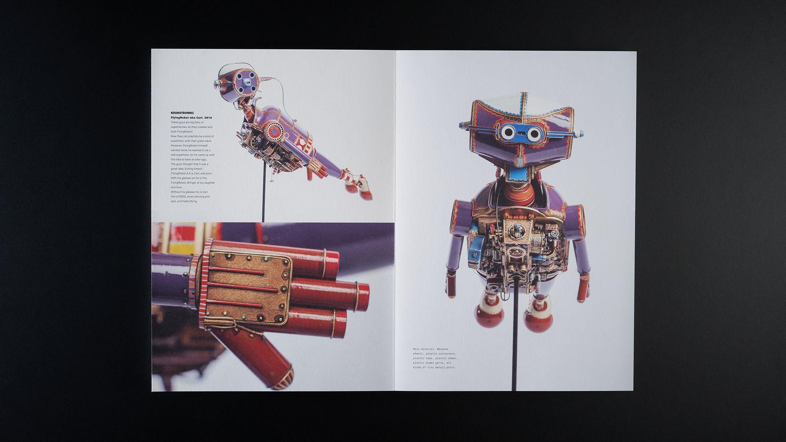 Kosmotroniks - Spread 3.jpg